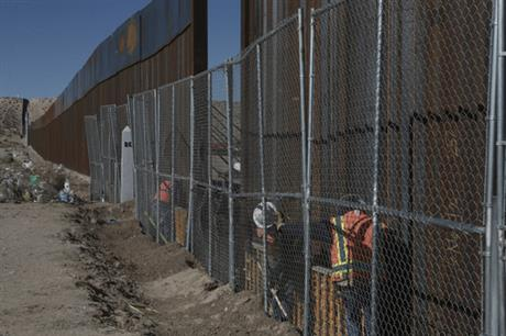 02/24/17: Agency plans to award Mexico border wall contracts by April