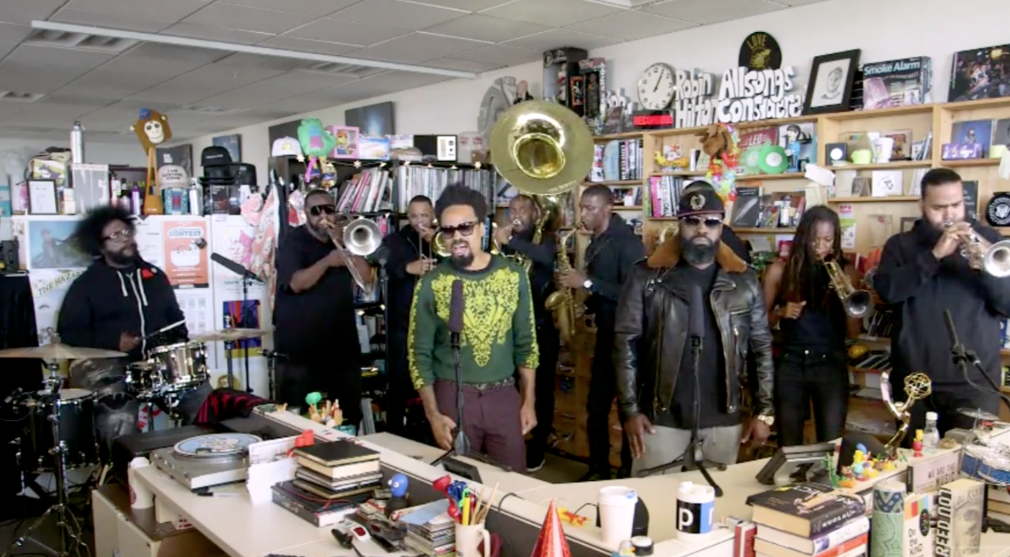 11/01/17: The Roots and Bilal bless the NPR 'Tiny Desk'